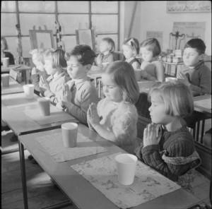a_modern_village_school-_education_in_cambridgeshire_england_uk_1944_d23624-300x296 (1)