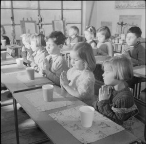 a_modern_village_school-_education_in_cambridgeshire_england_uk_1944_d23624-300x296 (1)